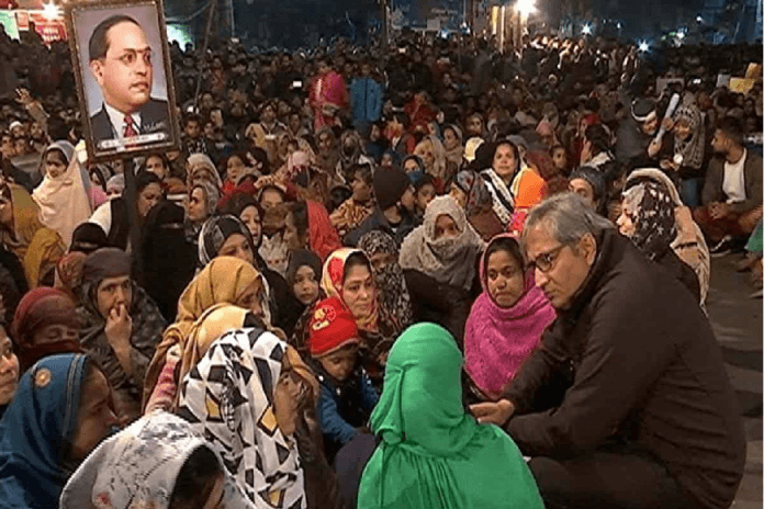 LIVE: Protest still continues in Shaheen Bagh, protesting women will not say - NewsGoLive